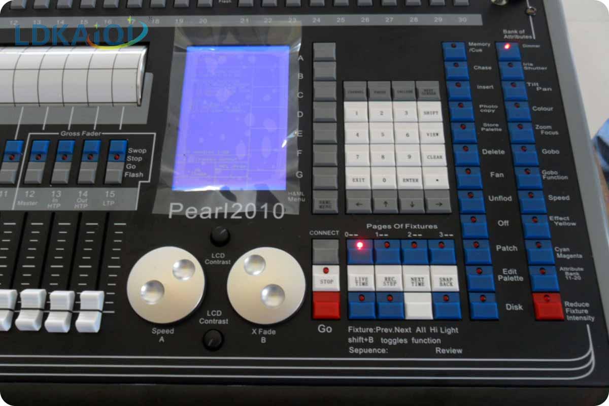 Pearl Digital Lighting Console 2010(图1)